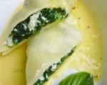 Kräuter-Spinat-Nudelrollen mit Zitronen-Safran-Sauce
