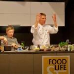 Showkoch in Aktion: Armin Auer mit Sohn