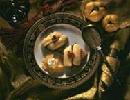Lebkuchen-Camembert-Gratin mit Quittenmus