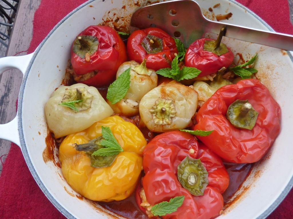 Schlemmereien aus dem Ofen: Gefüllte Paprika mit Grünkern