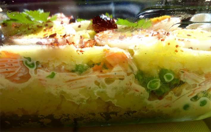 Gekühlte Kartoffelcreme mit knackiger Gemüsefüllung
