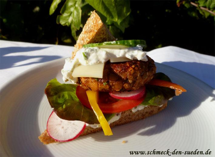 Archeburger: Alblinsen-Grünkern Burger mit Kräuterdip