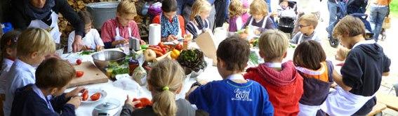 Bild Zukunft muss gemeinsam schmecken – Mitkochaktion für Kinder im Freilichtmuseum Beuren