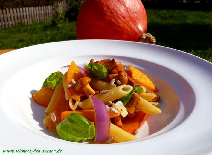 Sommerküche Schnell : Schnelle sommerküche: nudelsalat mit kürbis und pfifferlingen