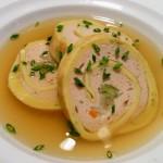 Für festliche Suppen die perfekte Einlage: schwäbischer Brätstrudel