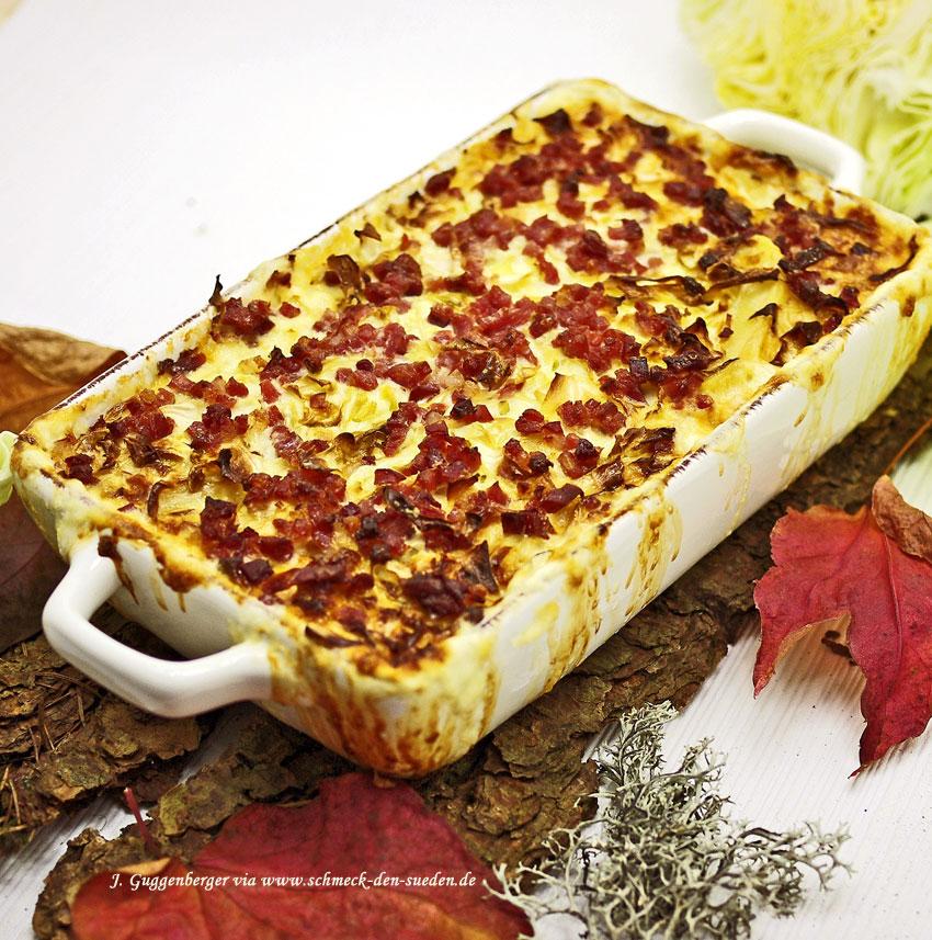 Herbstlicher Kartoffel-Kraut-Auflauf und Speck