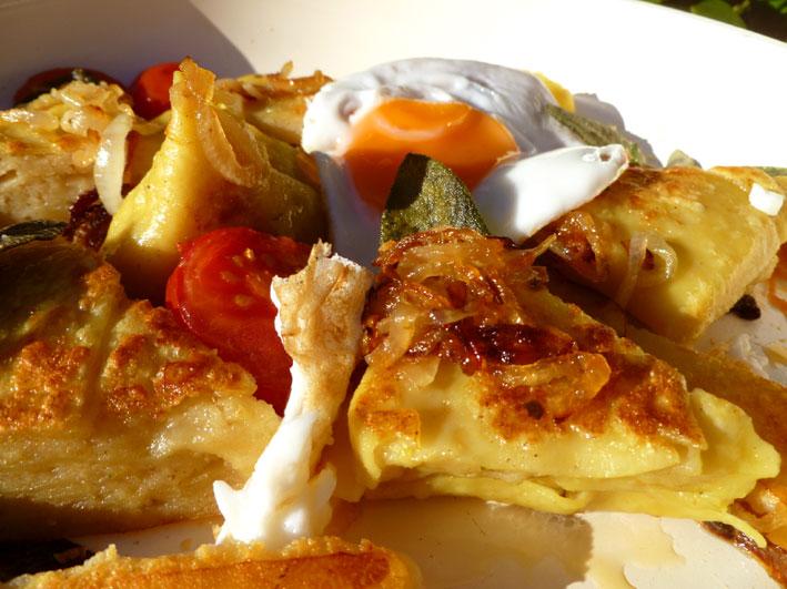 Maultaschen mit Bergkäse-Kartoffelfüllung