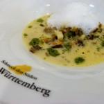 Feines mit Rita Gollers kleinen Albschnecken: Süpple mit Aromaschäumchen und Kräuteröl