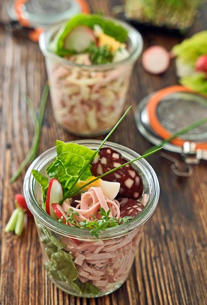 Schwäbischer Wurstsalat und Wurst-Käse-Salat im Glas