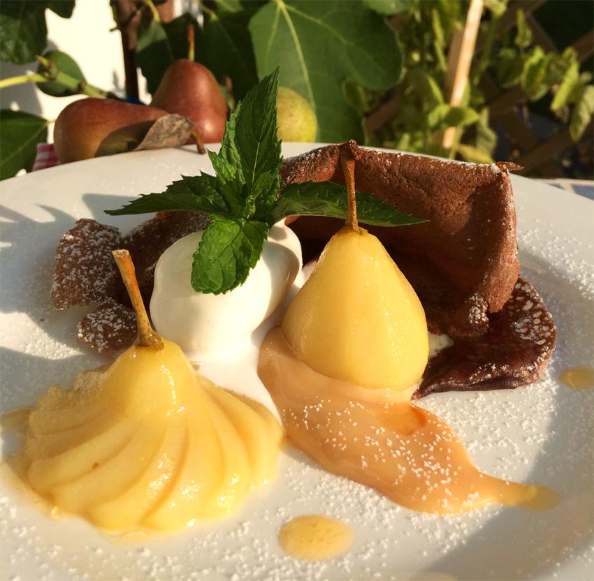 Gaishirtle mit Kakaoflädle, Karamell und Sauerrahmeis
