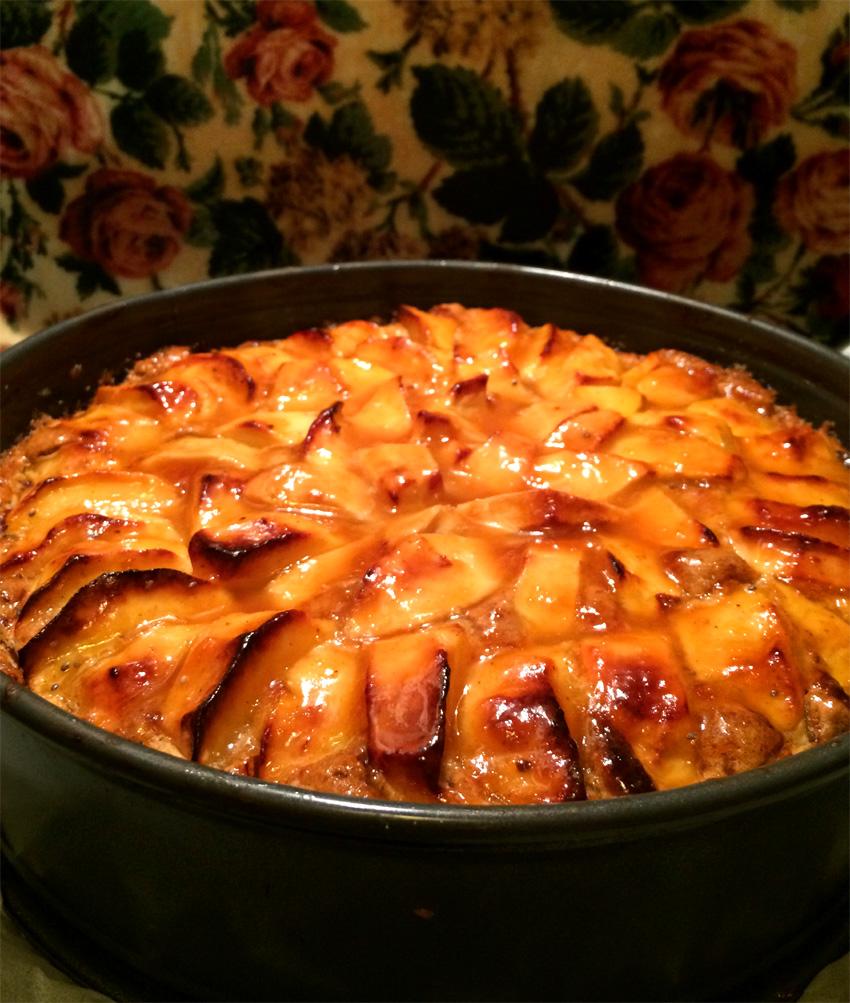 Landhaus Apfelkuchen mit Haselnuss