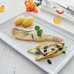 Geräuchertes Forellen-Filet mit Bergkäse überbacken, Kartoffeln und gebratenem Chicorée mit Kürbiskernen