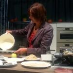 Badenmesse 2015: Kochen mit Landfrauenpräsidentin Rosa Karcher und Schulkindern