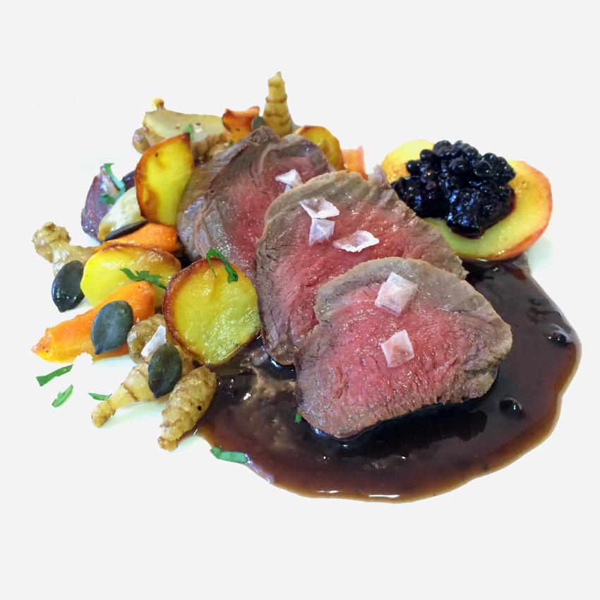 Feines von der schwäbischen Alb: Filet vom Albbüffel mit herbstlichem Ofengemüse