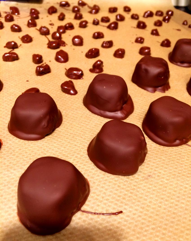 Süßes zum Advent – Teil 1: Schokobeeren & Toffeepralinen