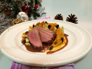 Entenbrusttranchen mit Kartoffel-Karottenstampf und winterlichem Ofengemüse
