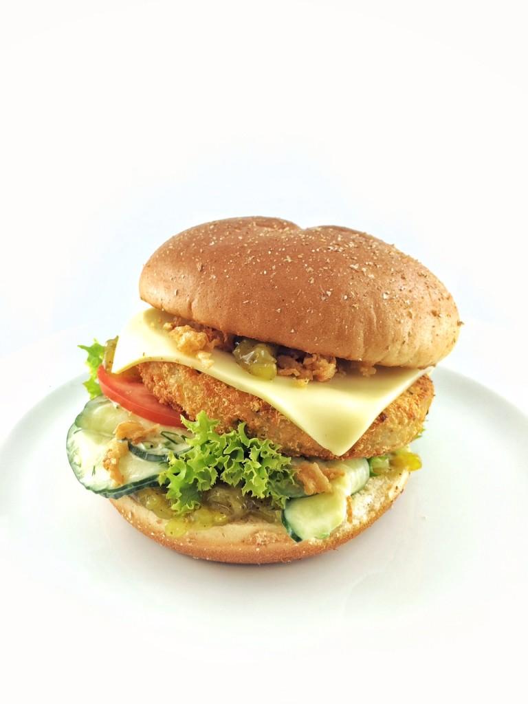 Der vegetarische Sommersnack: Allgäuer Bergkäs-Burger