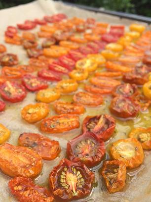 Getrocknete kleine Tomaten