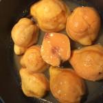 Überbackene Quitten mit süßen Kartoffelstreuseln
