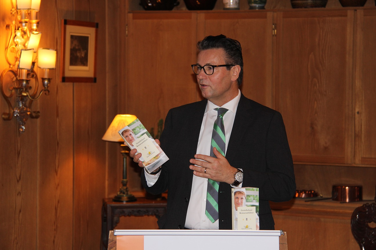 Bild Minister stellt neuen Restaurantführer vor