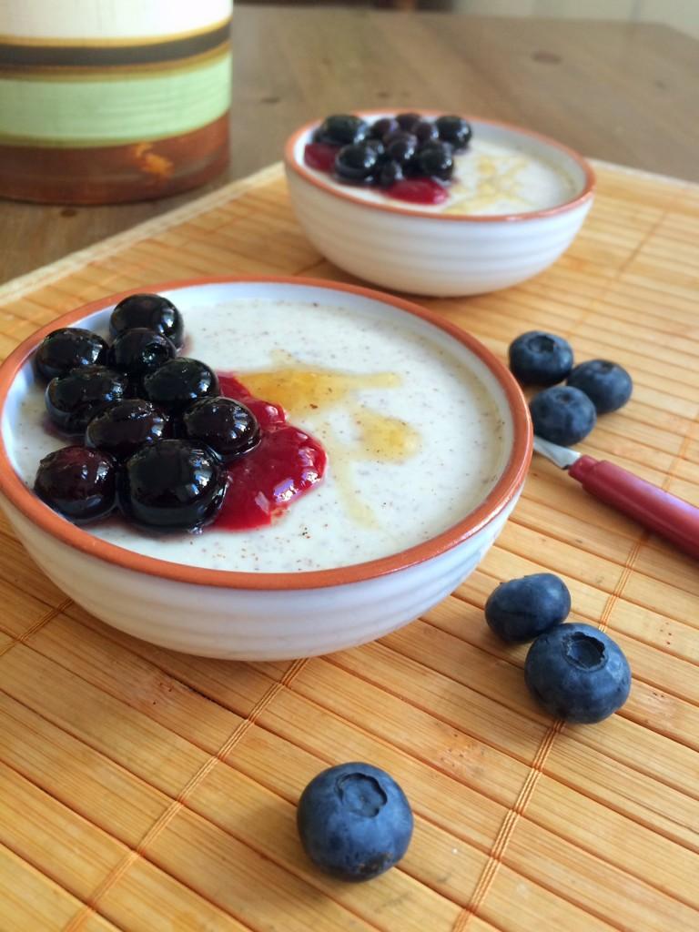 Traditionelle Rezepte aus der Klosterküche: Süße Sulz von der Haselnuss mit Heidelbeergsälz