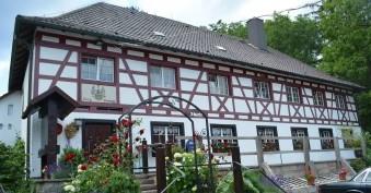 Bild 1 Berggasthof Burg Rosenegg