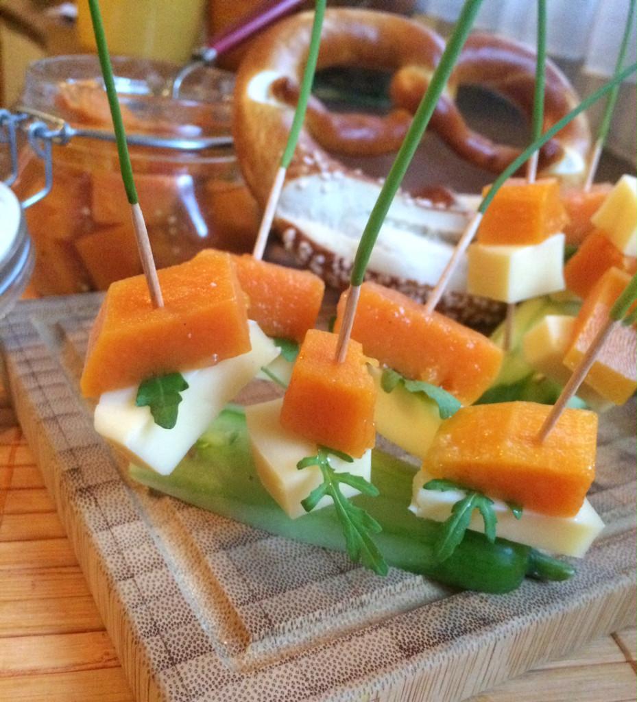 Spießchen vom süß-sauren Butternutkürbis & Bergkäse