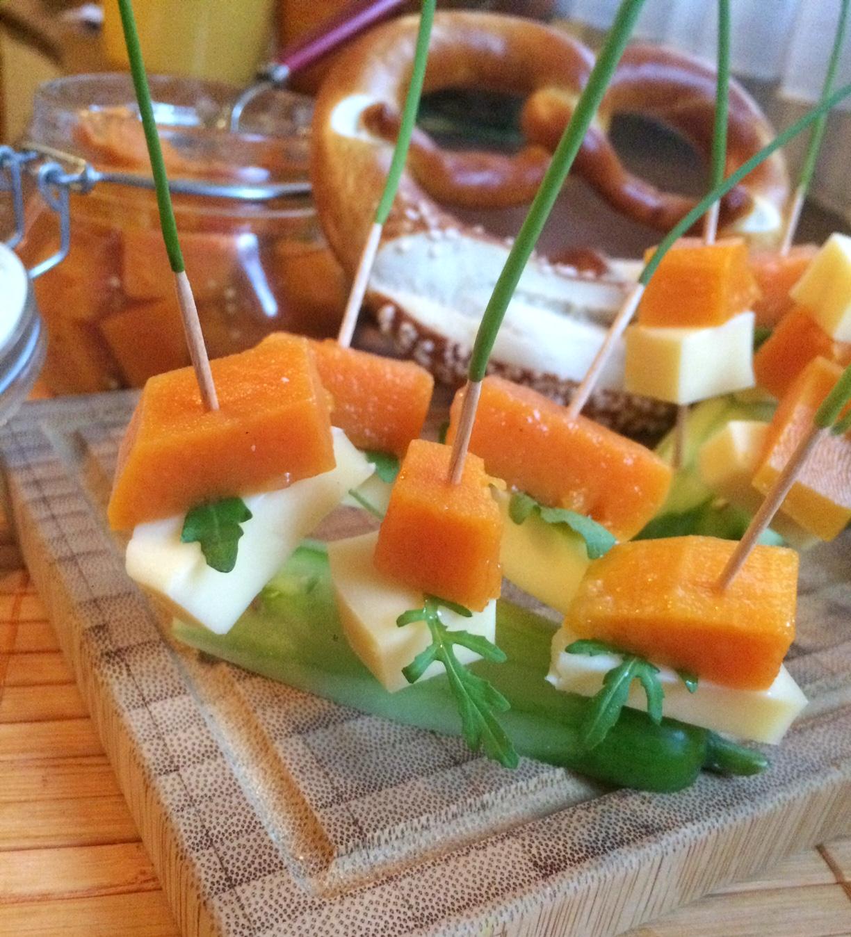 Pickled Butternut und Käsespieße