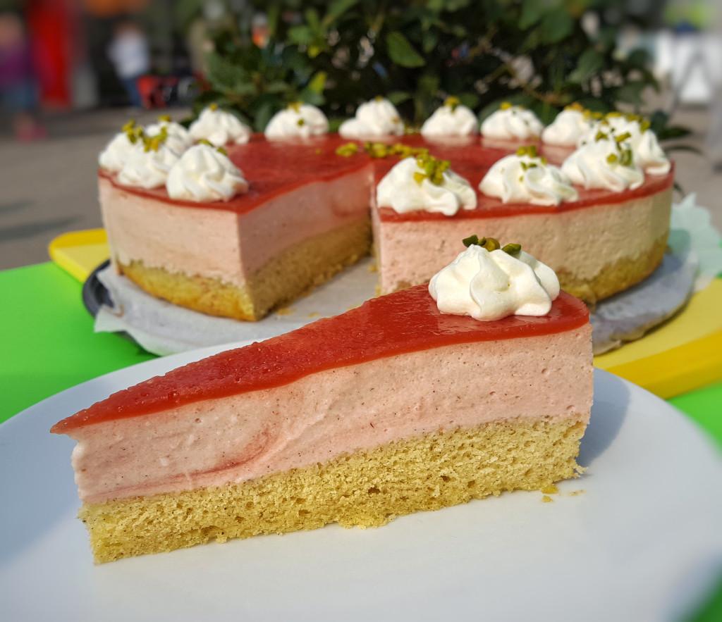 Erfrischend fruchtige Erdbeercremetorte