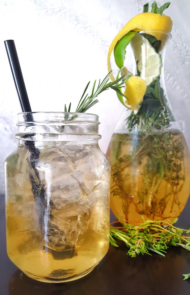 Gin Albdudler – heimischer Longdrink mit Kräutern & Gin