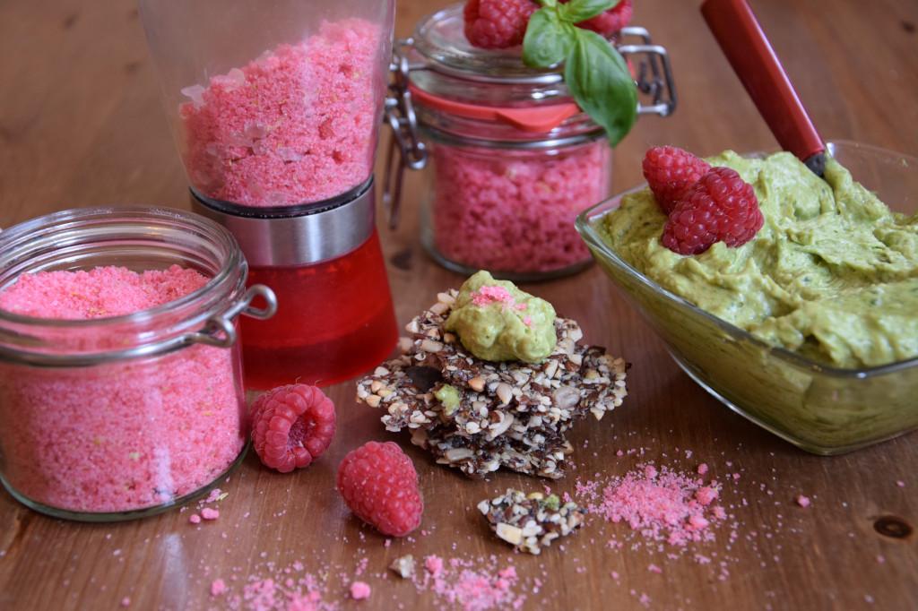 Gruß aus der Küche: Basilikumbutter & Himbeersalz