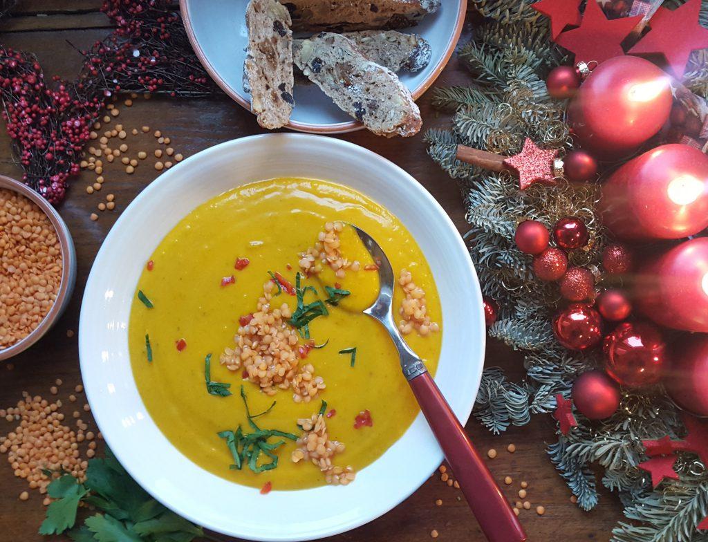 Unser Weihnachtsmenü Teil 1: Rote Linsensuppe mit Apfel & Petersilie
