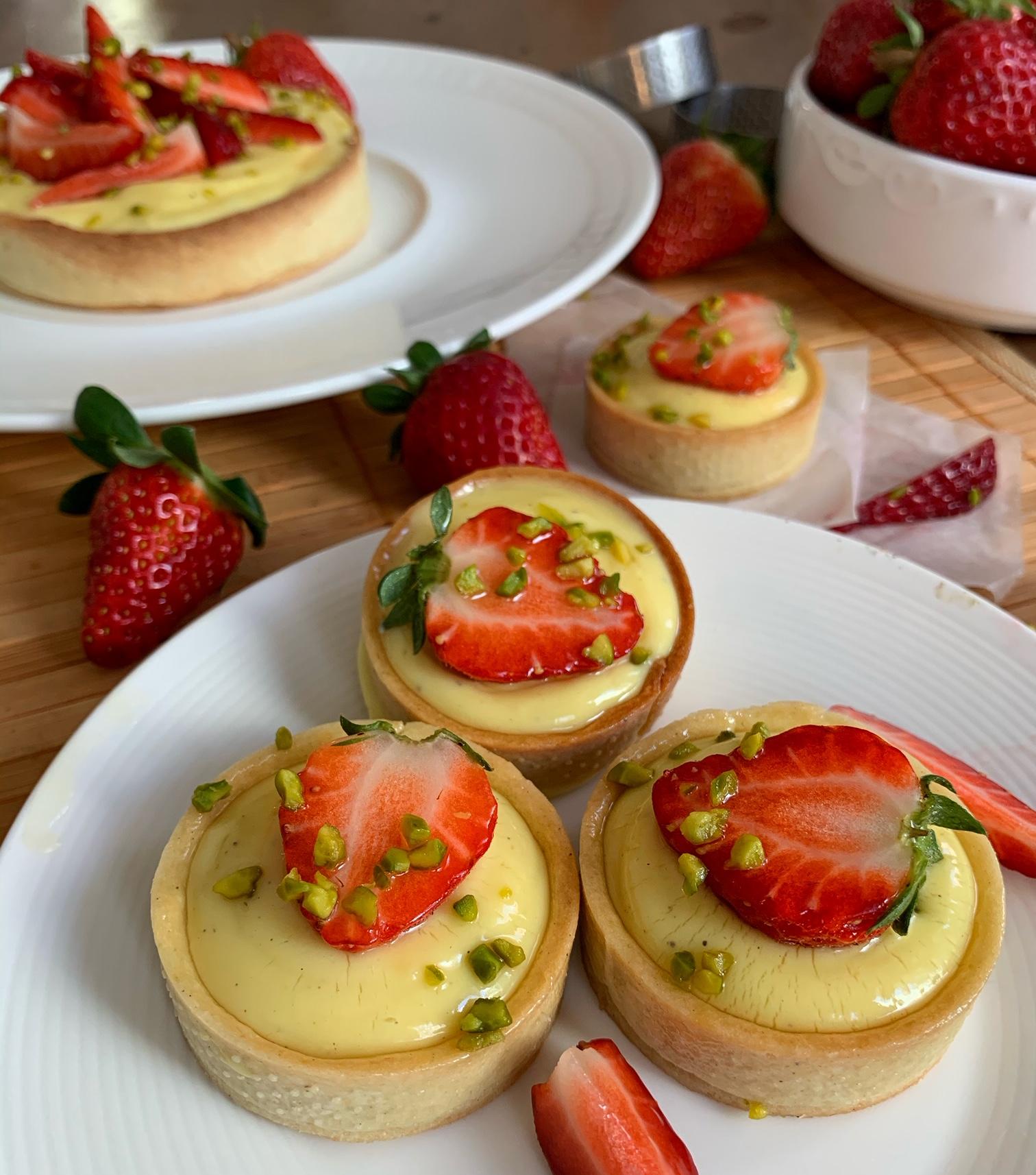 Tartelettes mit Vanillecreme & Erdbeeren