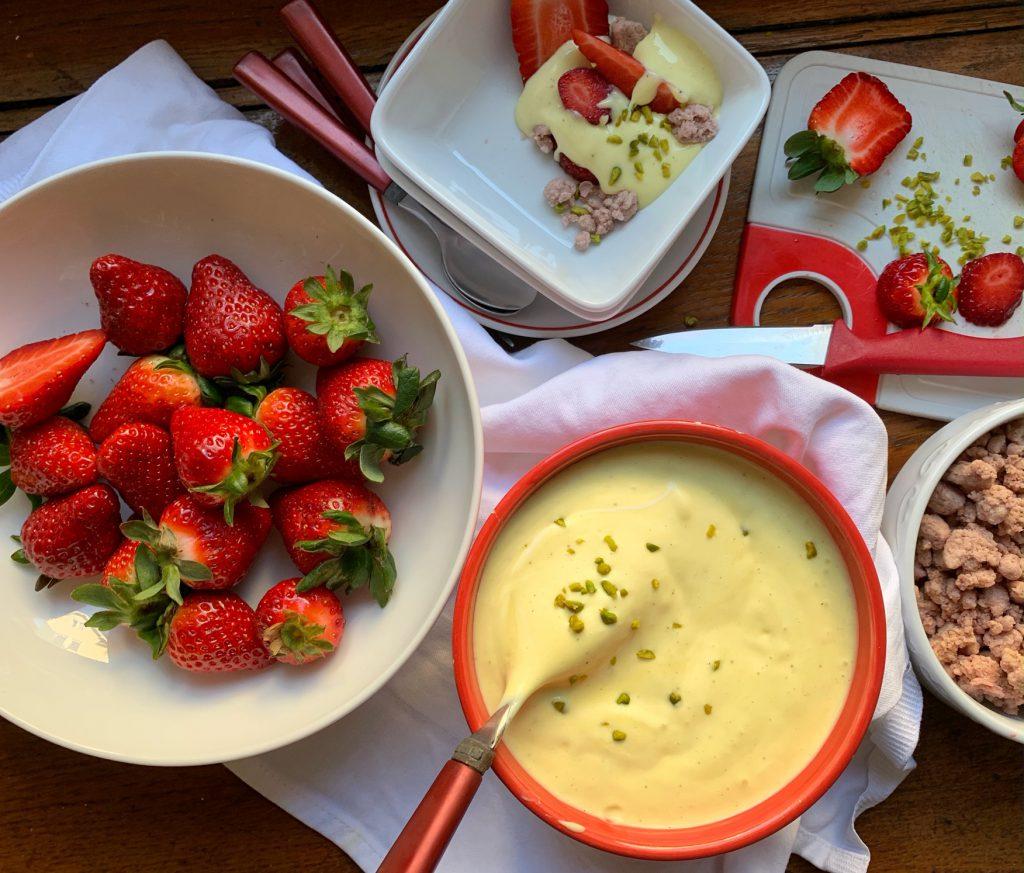 Süße Erdbeeren mit weißer Schoko-Ingwercreme