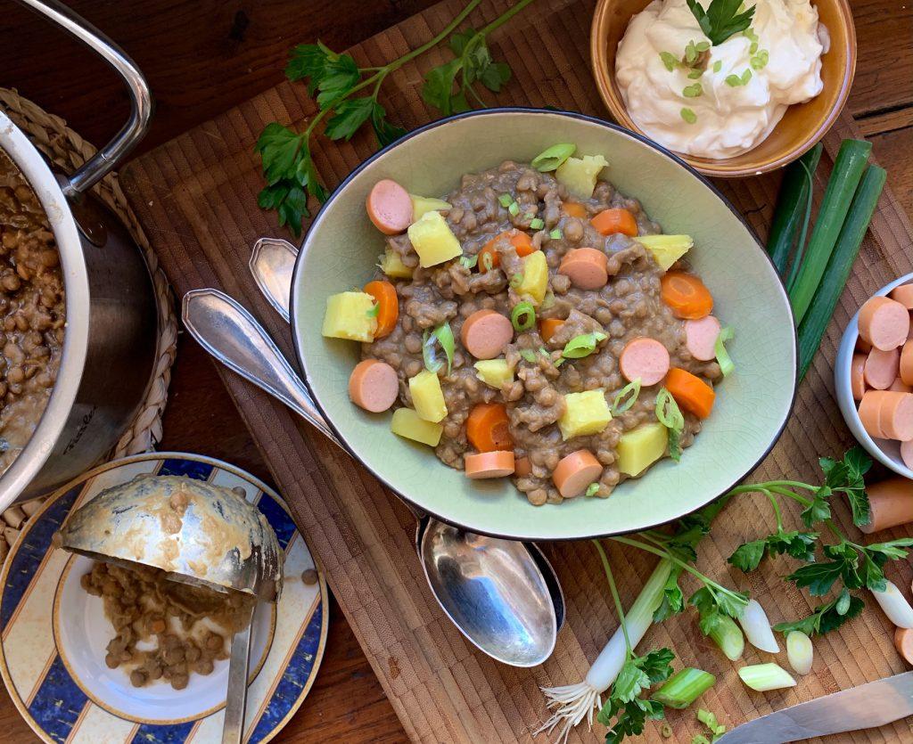 Linsentöpfle mit Gemüse & Saitenwürstle