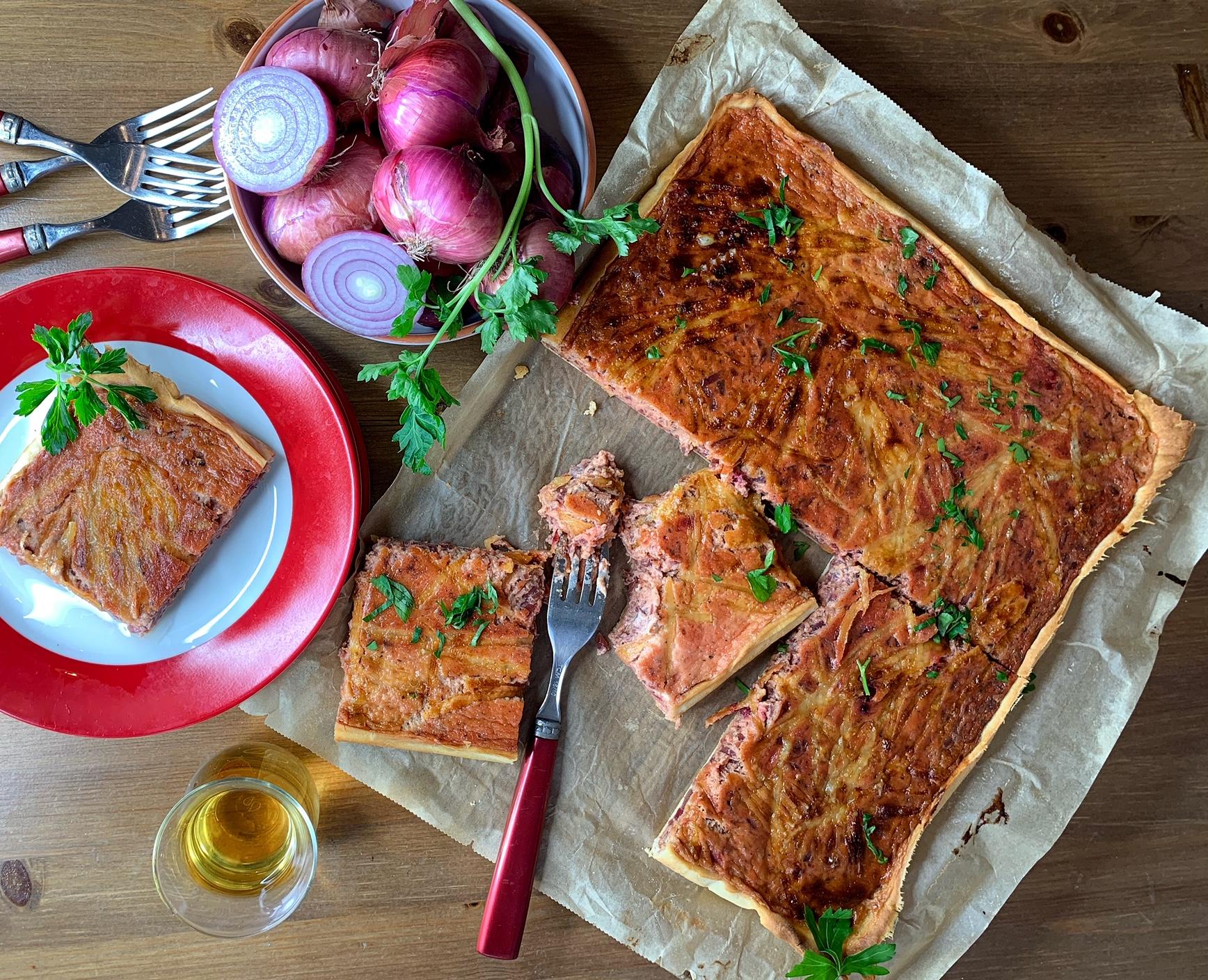 Roter Zwiebelkuchen von der Höri Bülle g.g.A.