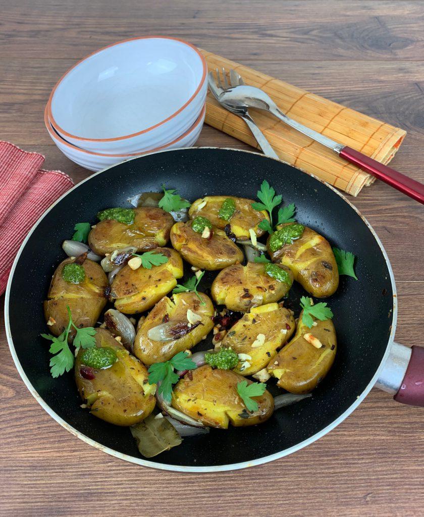 Kartoffelzaubereien: Gebratene Quetschkartoffeln mit Schale