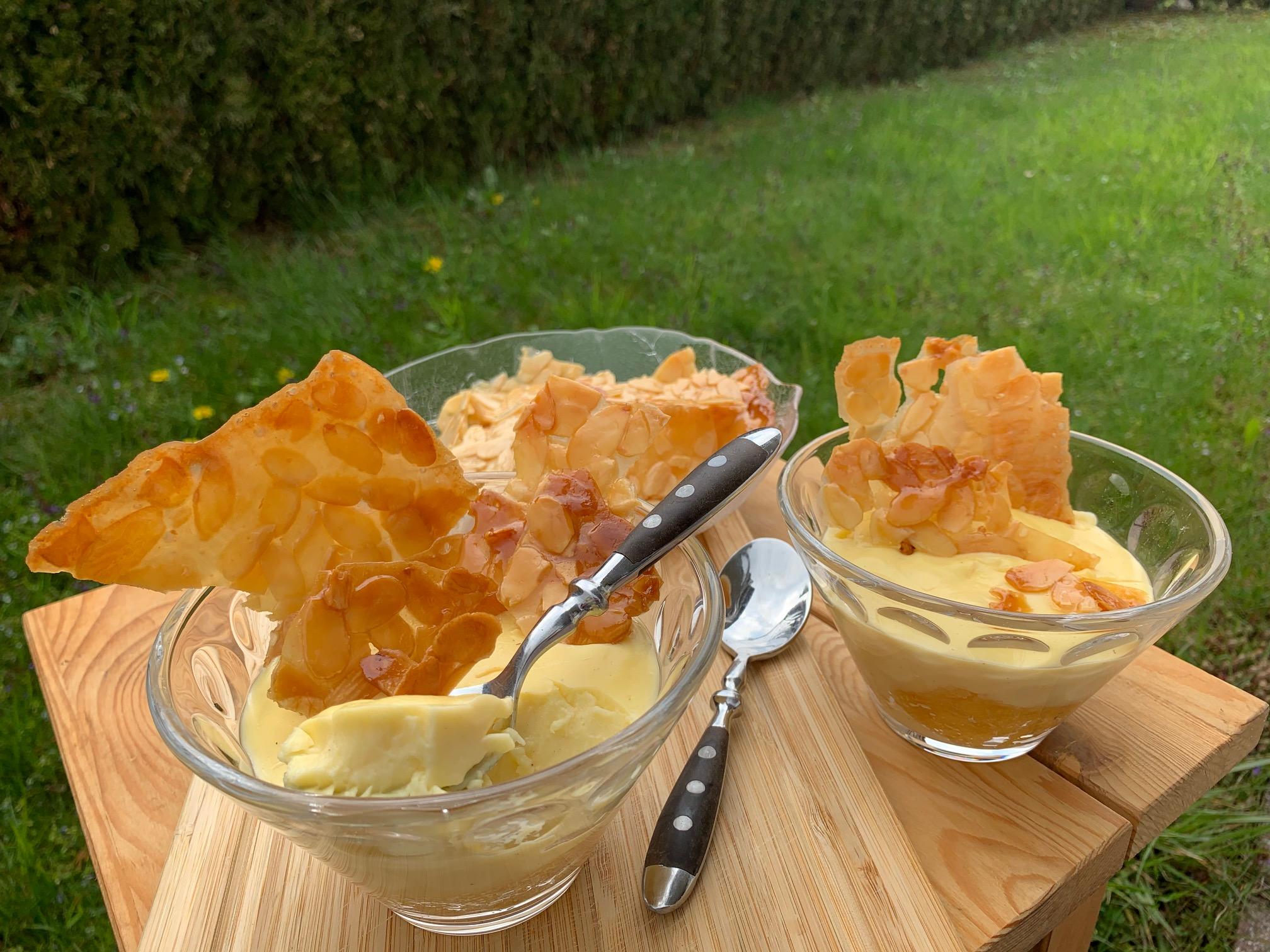 Bienenstich Dessert im Glas