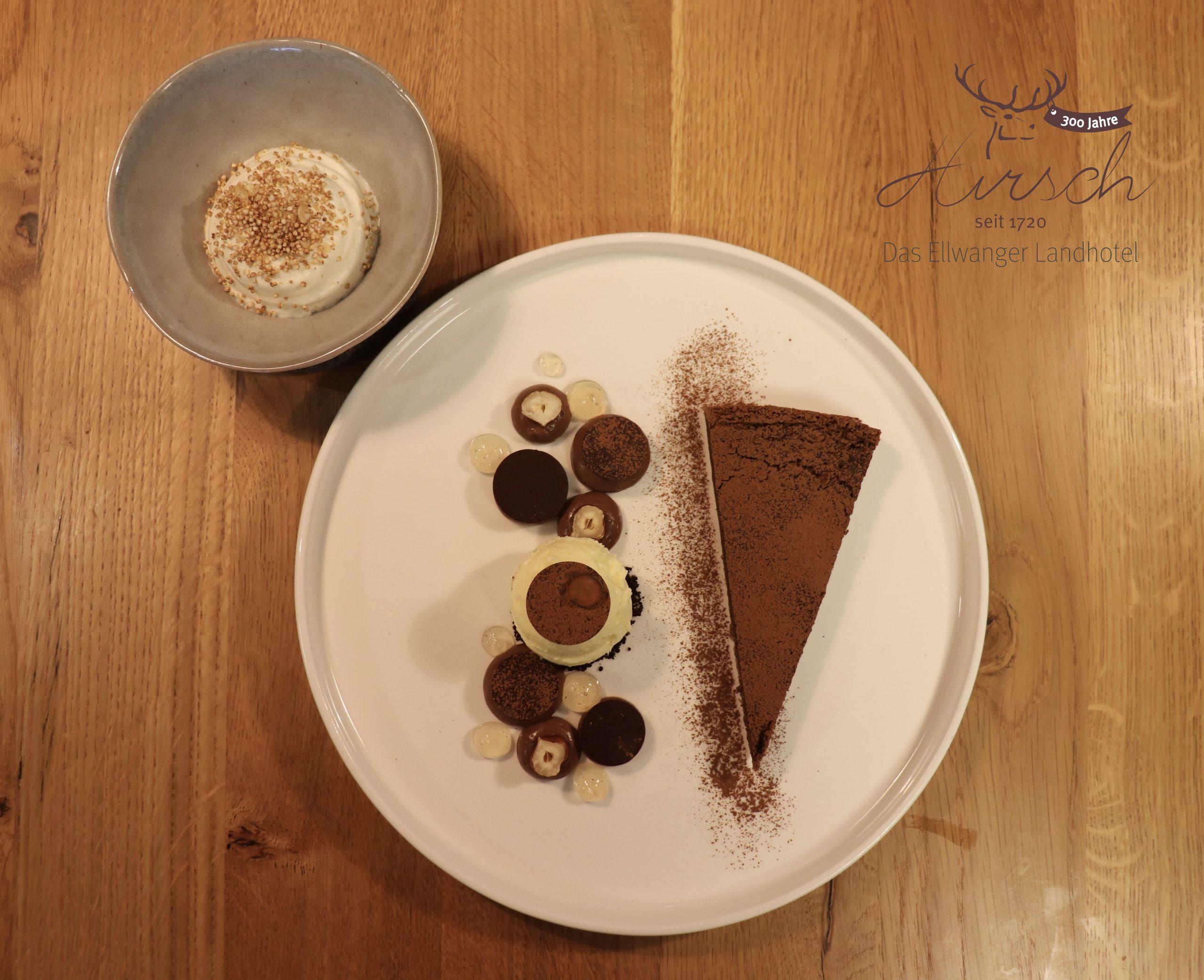 Schokoladen-Kiachle mit Vanille-Eis vom Hirsch – Das Ellwanger Landhotel