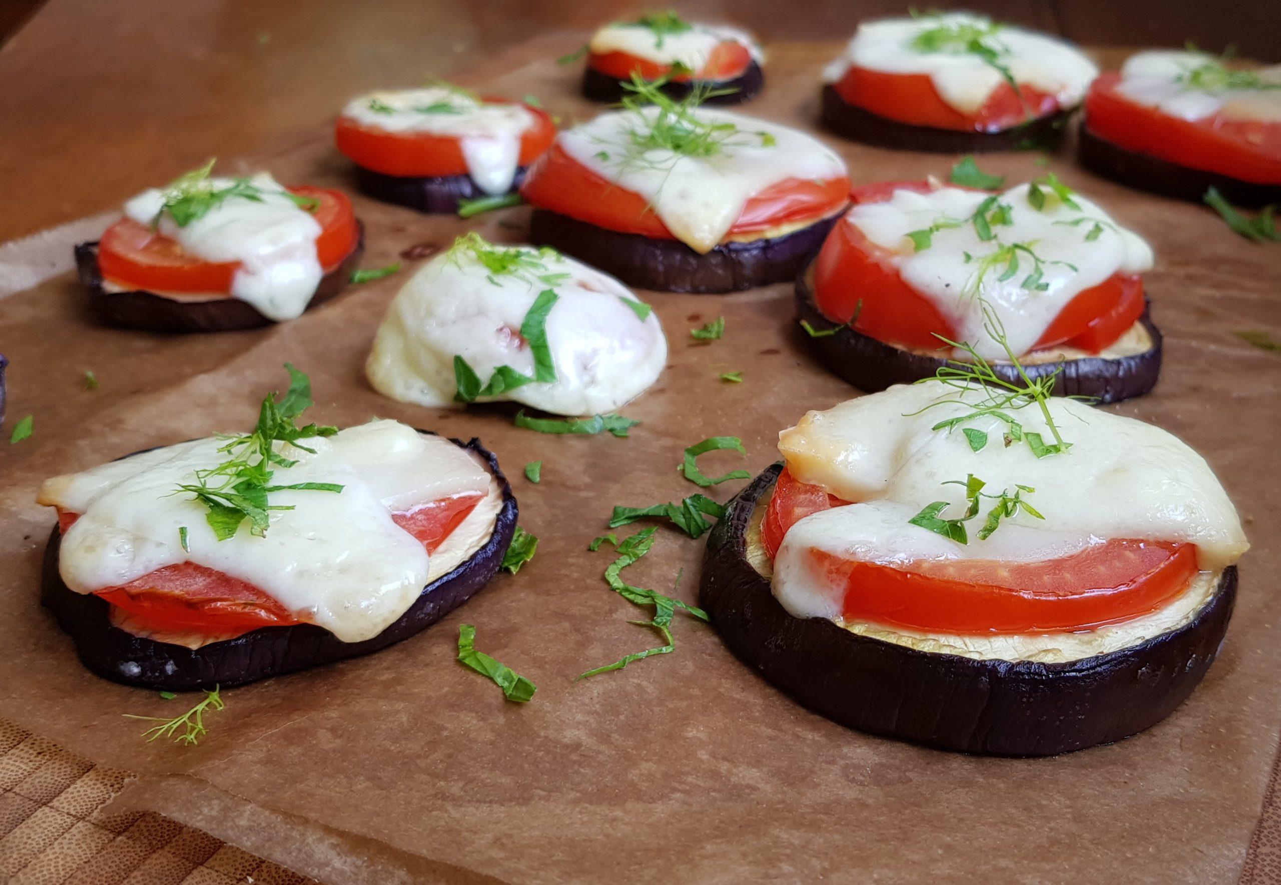 Überbackene Auberginen mit Tomaten & Allgäuer Bergkäse