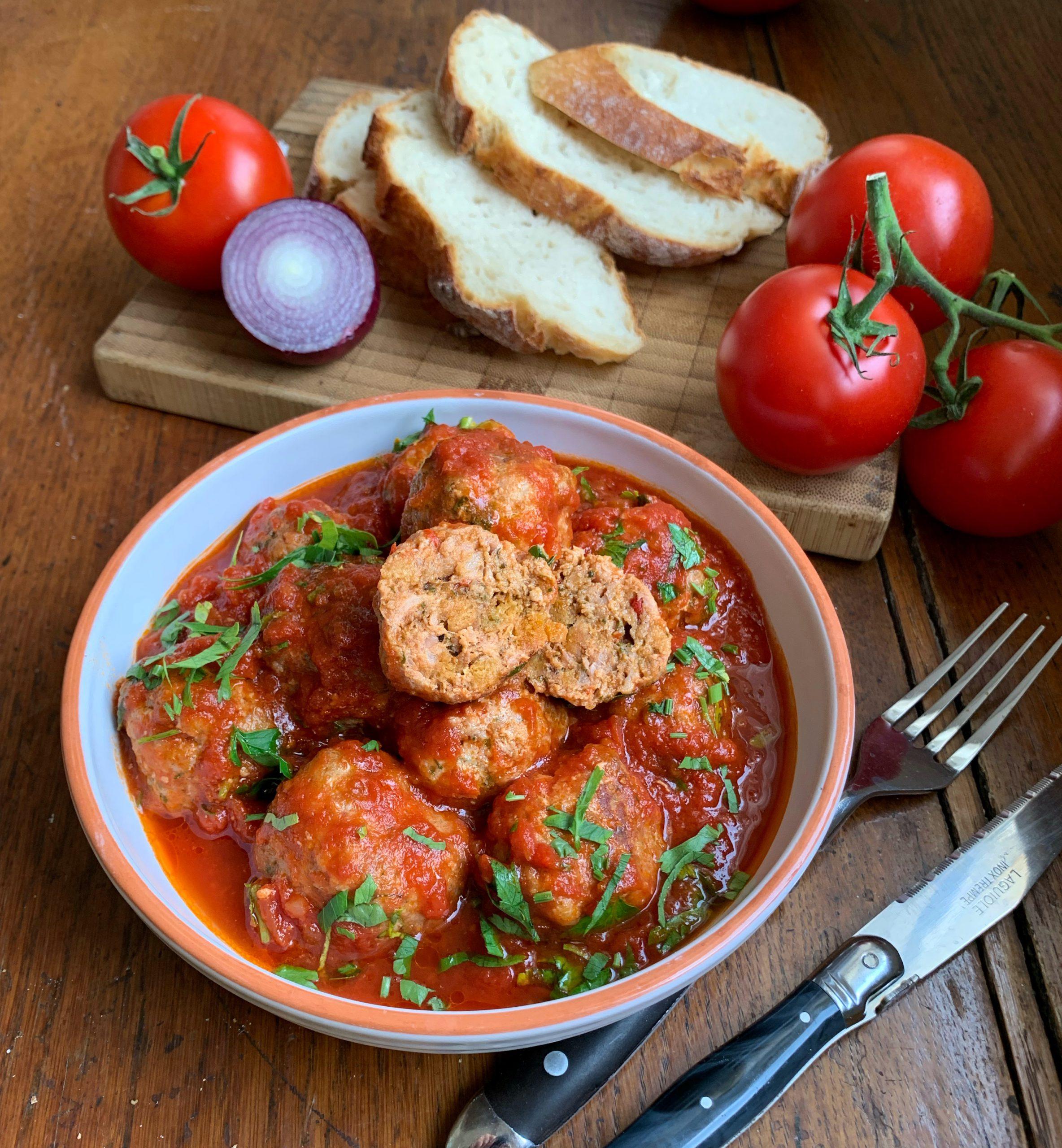 Pikante Hackbällchen in Tomatensoße