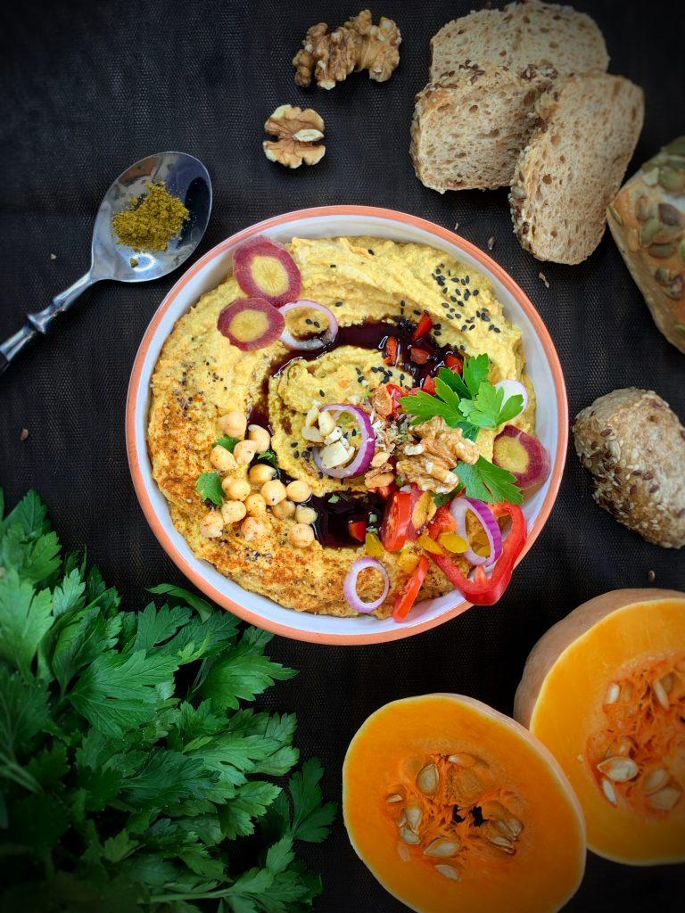Heimisches Hummus mit Kürbis & Curry